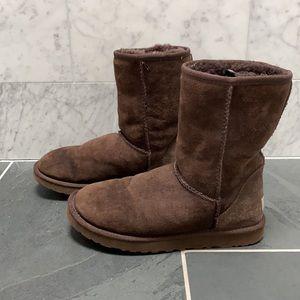 ✨Women's Ugg Classic Short II Boots Sz 7✨